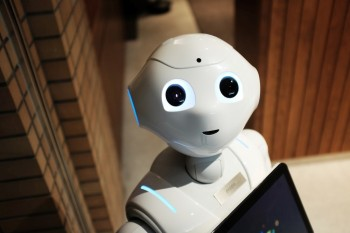 Chatbots – How do they help employees?