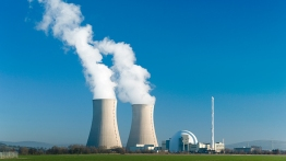 発電所のデジタル化は、運用コストを27%削減し、 発電による地球規模のCO2排出量を2025年までに5%削減する