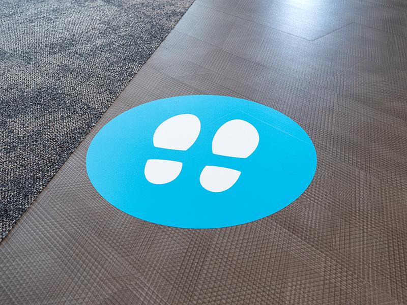 foto van sticker met voeten