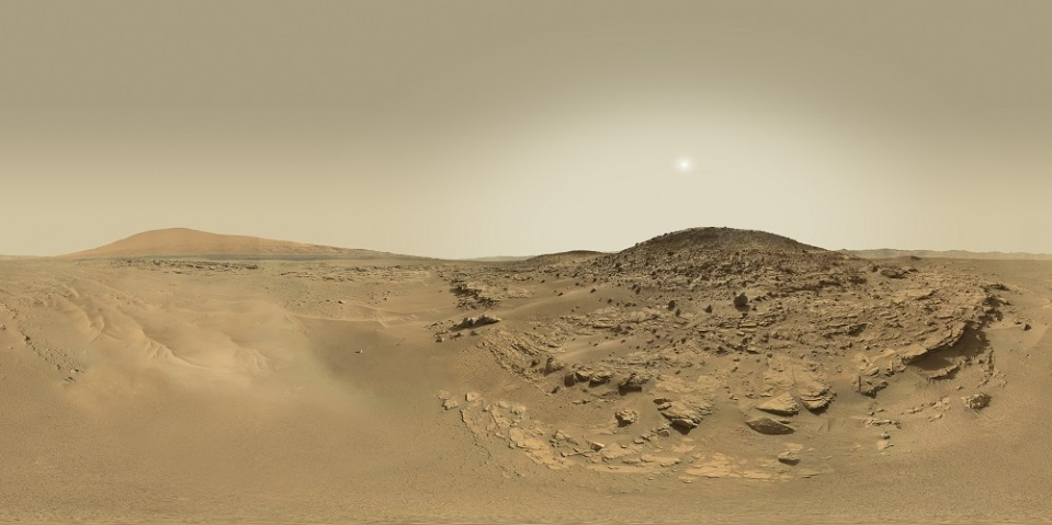 Photos like this reveal Mars' complex geology and, perhaps, evidence of past life
